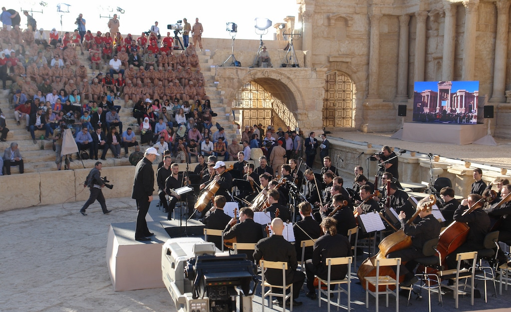 syria-culture-palmyra-ruins-update-concert-1024px-flickr
