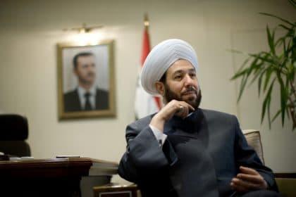 حسون: مفتي سوريا المثير للجدل