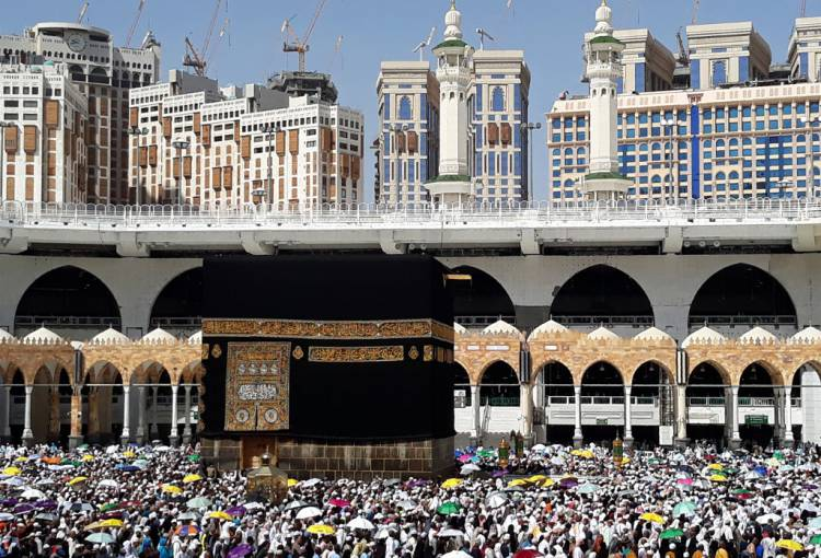 Everything in Mecca gets 5 stars — and online reviews of other holy sites are wildly inflated, too
