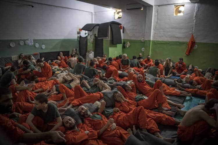 """أوروبا وخيارات التعامل مع أزمة معتقلي تنظيم """"الدولة الإسلامية"""" المقيمين في المخيّمات السورية"""