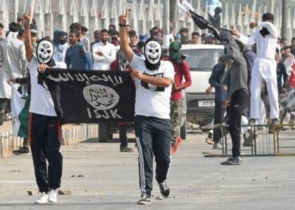 """تنظيم """"الدولة الإسلامية"""" في طريقه للعودة والغرب لم يتعظ من الدروس"""