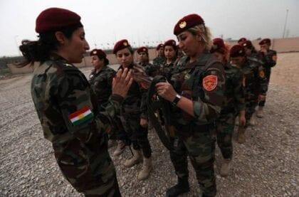 """المقاتلات الكرديات: من قتال تنظيم """"الدولة الإسلامية"""" إلى مواجهة الهجوم التركي"""