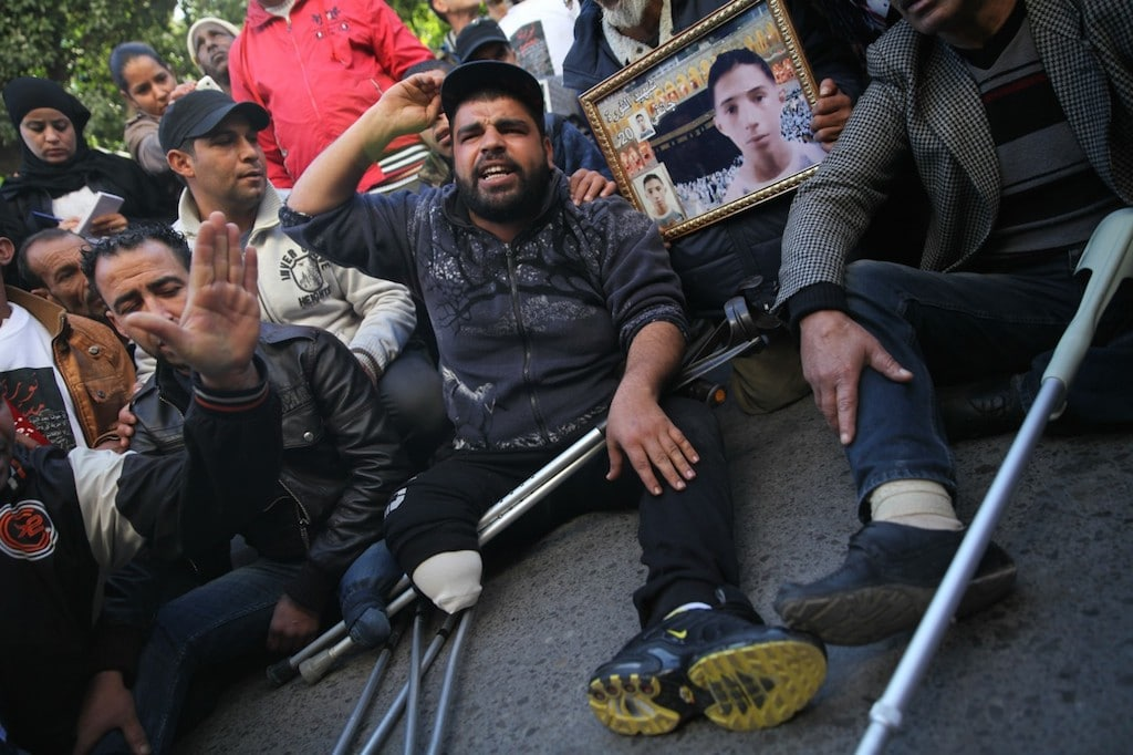 Tunisia Revolutions wounded protesting Jan 2016 Fanack Corbis