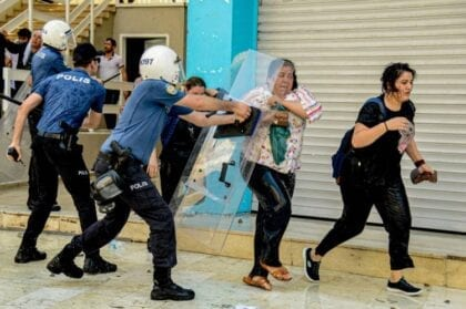 تركيا: استمرار تقويض الديمقراطية بإقالة رؤساء البلديات الأكراد