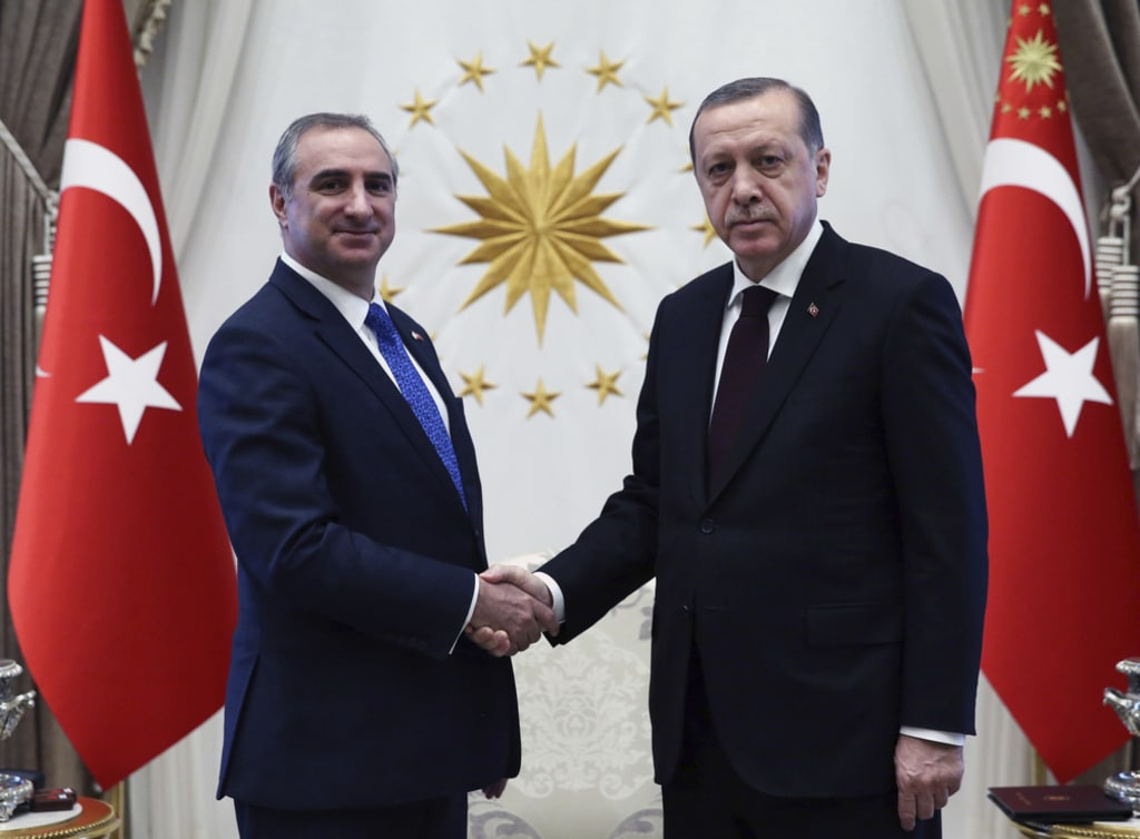 Erdogan-shake-hands-with-israeli-ambassador