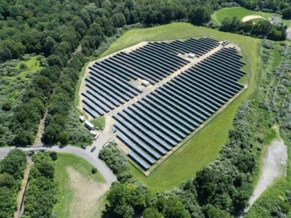 هل يمكن للطاقة الشمسية حل أزمة الكهرباء في لبنان؟