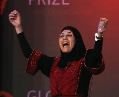حنان الحروب: لاجئة فلسطينية وأفضل معلمة في العالم