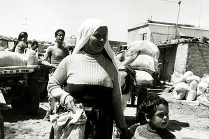 اللاجئون الفلسطينيون