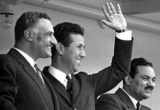 الجزائرالحكم - أول رئيس جزائري أحمد بن بلة مع الرئيس المصري جمال عبد الناصر عام 1962