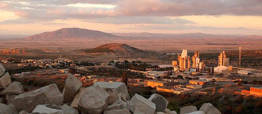 Economy Tunisia - Thala and thelimestone factory