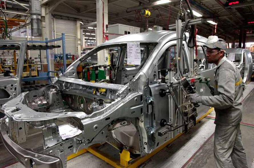 مصنع سيارات رينة في طنجة
