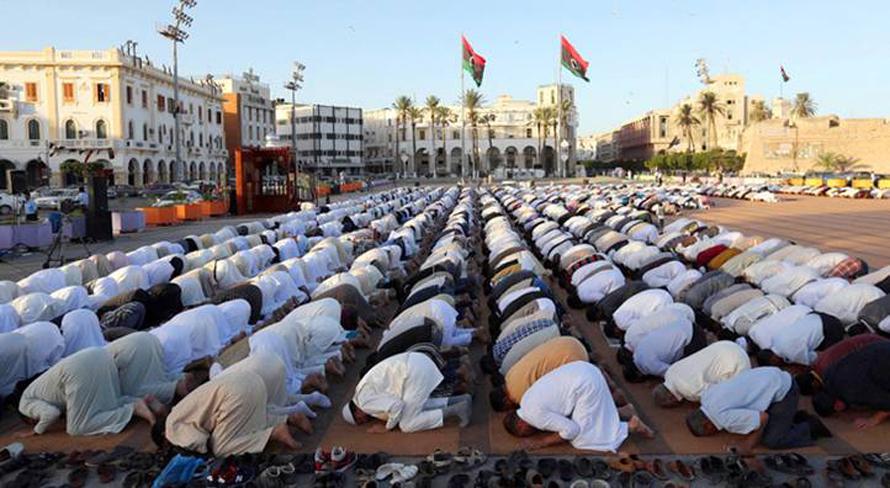 صلاة عيد الأضحى في مدينة طرابلس / Photo HH