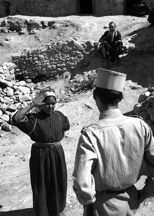 الجزائرالسكان - أُجبر أهل الأرياف على خدمة المهاجرين الأوروبيين خلال فترة الاستعمار / Photo HH