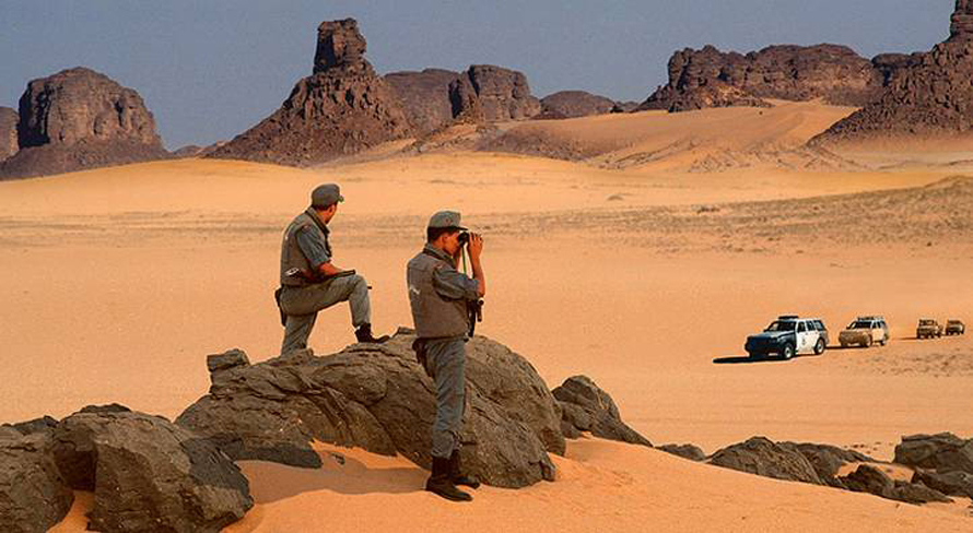 Geography Algeria - Police guarding borders Sahara desert