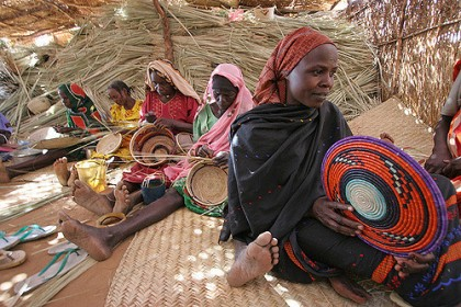weaving in Darfur Economy