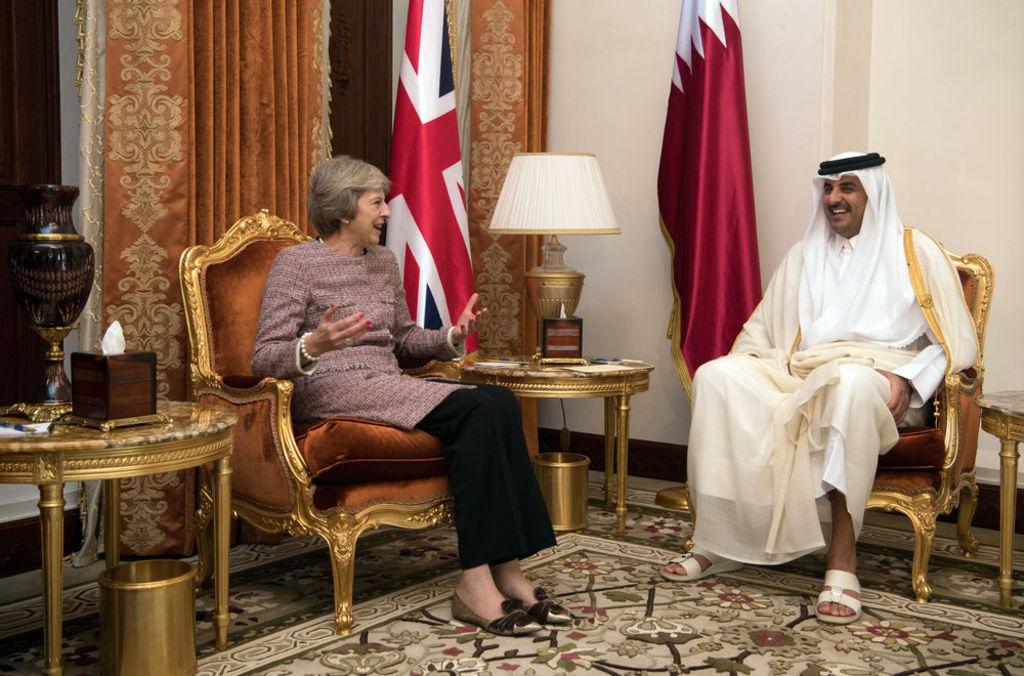 Theresa-May-meets-Sheikh-Tamim-bin-Hamad-Al-Thani
