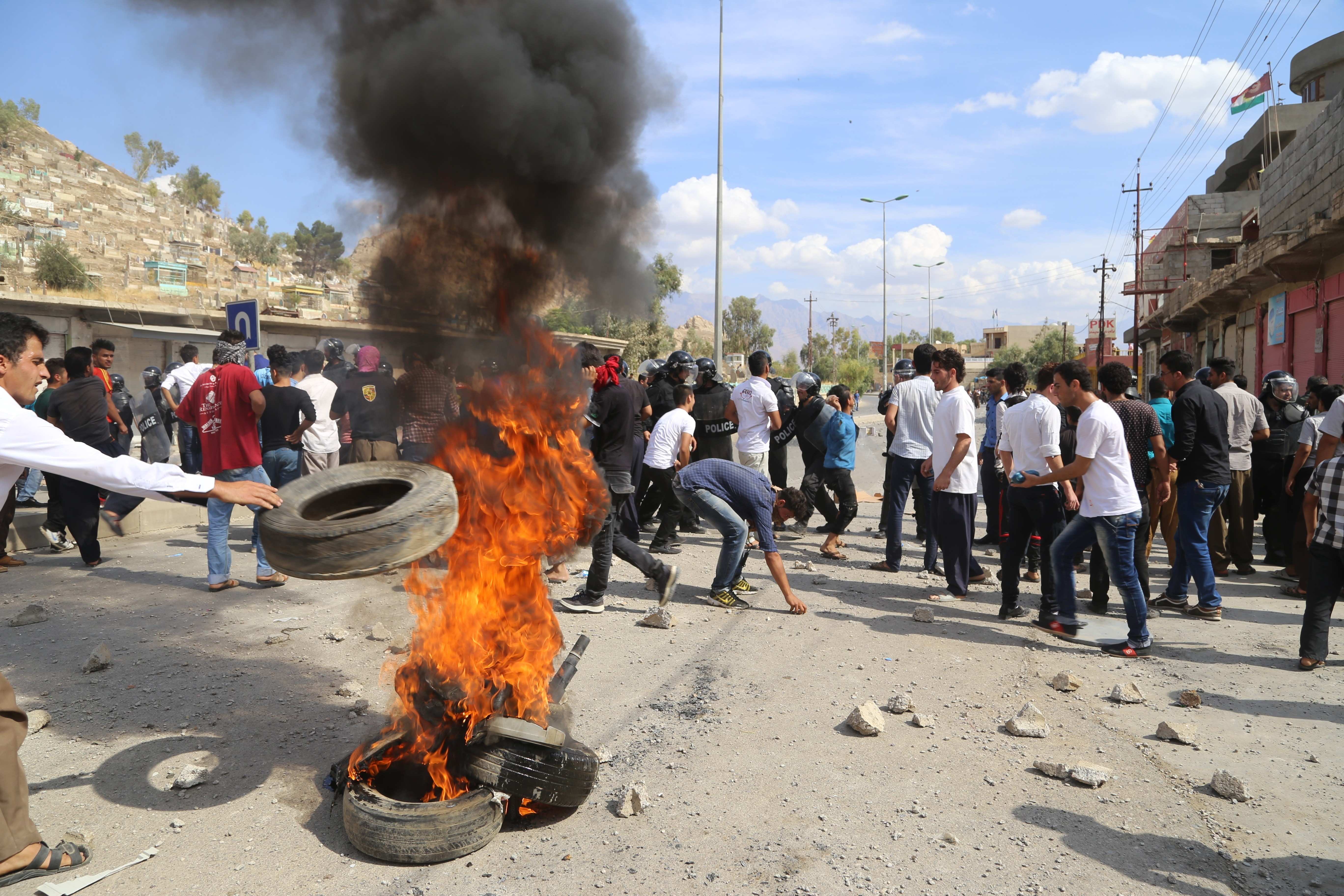 The motives behind the political stalemate of the Kurdistan Region in Iraq are explained