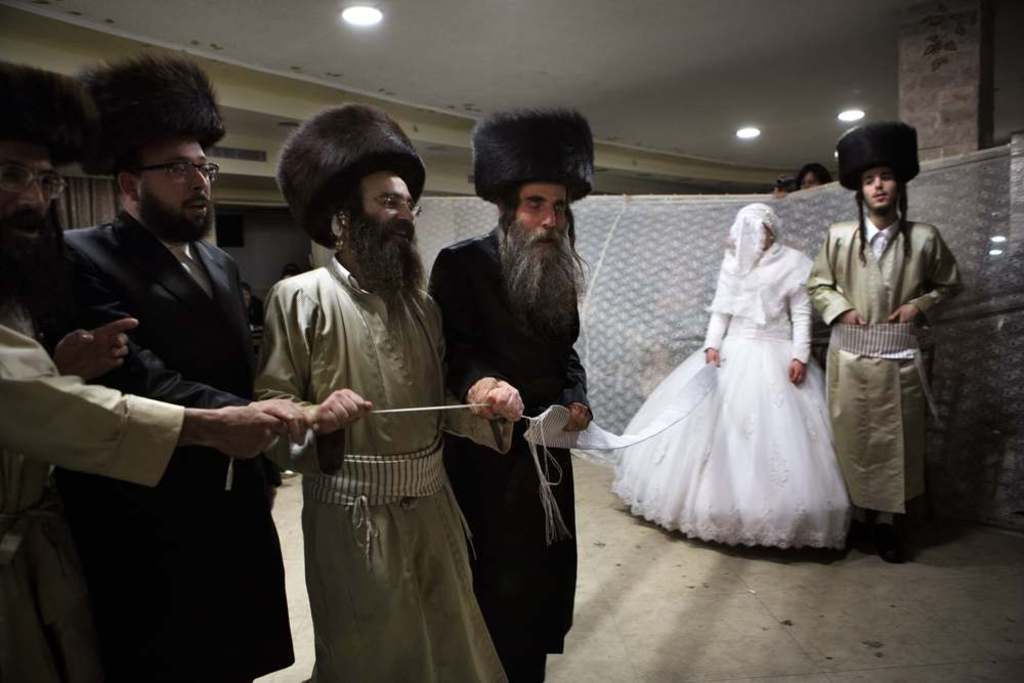 israel-society-and-media-Ultra-orthodox-wedding