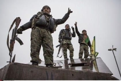 أكراد سوريا، بعد إقصاءهم من محادثات السلام، يأخذون زمام المبادرة بأيديهم