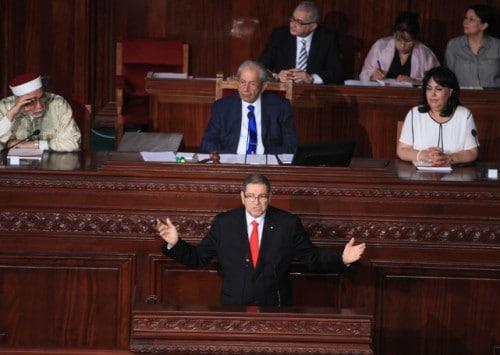 تونس في حالة توقف بعد حجب البرلمان الثقة عن رئيس الوزراء